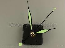 Часовой механизм. Зеленые стрелки.